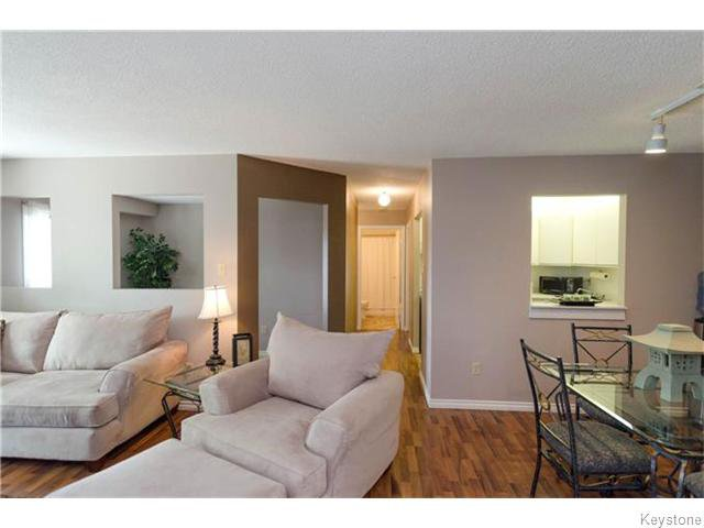 Photo 3: Photos: 481 Thompson Drive in WINNIPEG: St James Condominium for sale (West Winnipeg)  : MLS®# 1600654