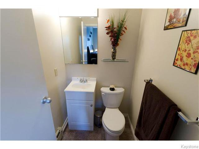 Photo 10: Photos: 481 Thompson Drive in WINNIPEG: St James Condominium for sale (West Winnipeg)  : MLS®# 1600654