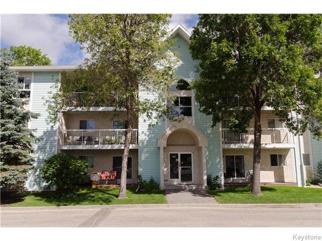Photo 1: Photos: 481 Thompson Drive in WINNIPEG: St James Condominium for sale (West Winnipeg)  : MLS®# 1600654