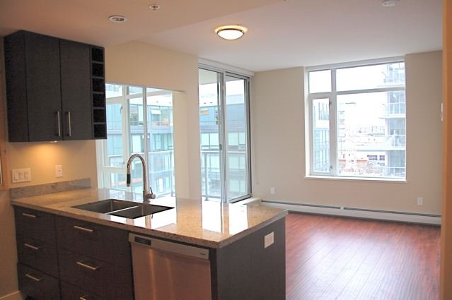 Main Photo: 607 108 W 1ST Avenue in Vancouver: False Creek Condo for sale (Vancouver West)  : MLS®# R2023840