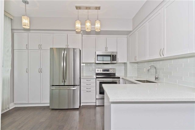 Photo 3: Photos: 1804 3939 Duke Of York Boulevard in Mississauga: City Centre Condo for lease : MLS®# W3689485