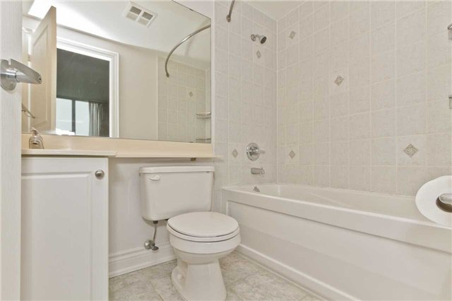 Photo 14: Photos: 1804 3939 Duke Of York Boulevard in Mississauga: City Centre Condo for lease : MLS®# W3689485