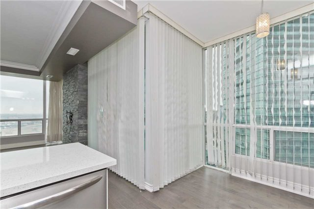 Photo 7: Photos: 1804 3939 Duke Of York Boulevard in Mississauga: City Centre Condo for lease : MLS®# W3689485
