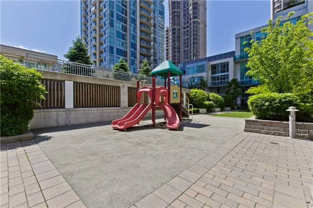 Photo 19: Photos: 1804 3939 Duke Of York Boulevard in Mississauga: City Centre Condo for lease : MLS®# W3689485