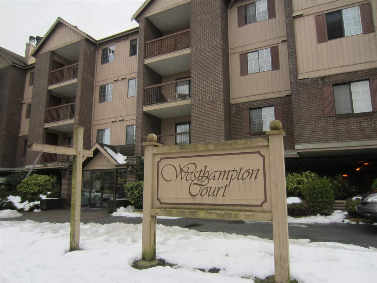 "Main Photo: 329 8500 ACKROYD Road in Richmond: Brighouse Condo for sale in ""WESTHAMPTON COURT"" : MLS®# R2138634"