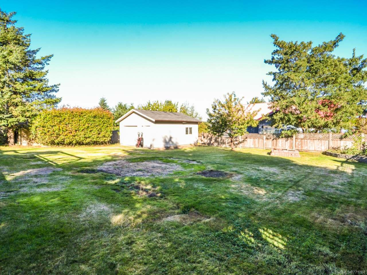 Photo 4: Photos: 3974 Dillman Rd in CAMPBELL RIVER: CR Campbell River South House for sale (Campbell River)  : MLS®# 771784