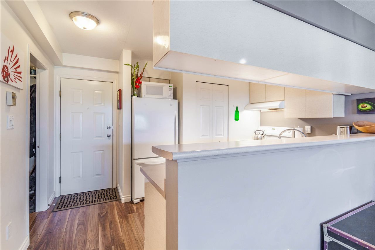 Photo 6: Photos: 403 1823 E GEORGIA Street in Vancouver: Hastings Condo for sale (Vancouver East)  : MLS®# R2216469