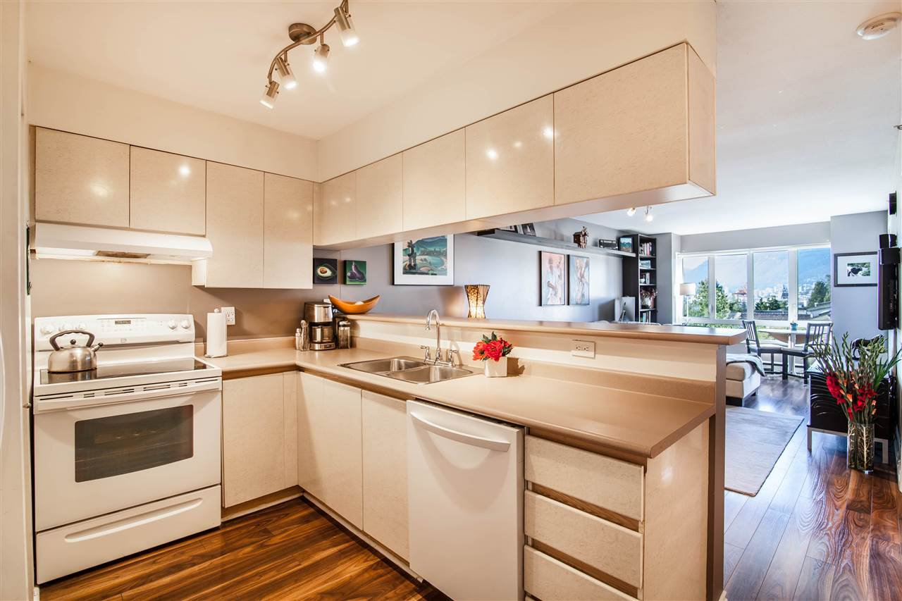 Photo 5: Photos: 403 1823 E GEORGIA Street in Vancouver: Hastings Condo for sale (Vancouver East)  : MLS®# R2216469