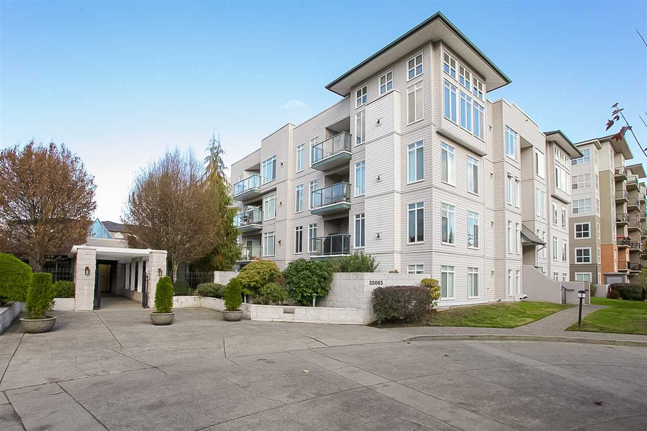 """Main Photo: 112 32085 GEORGE FERGUSON Way in Abbotsford: Abbotsford West Condo for sale in """"Arbour Court"""" : MLS®# R2258008"""