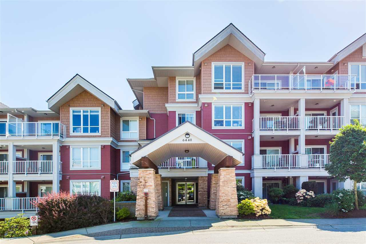 "Main Photo: 402 6440 194 Street in Surrey: Clayton Condo for sale in ""Waterstone"" (Cloverdale)  : MLS®# R2267369"