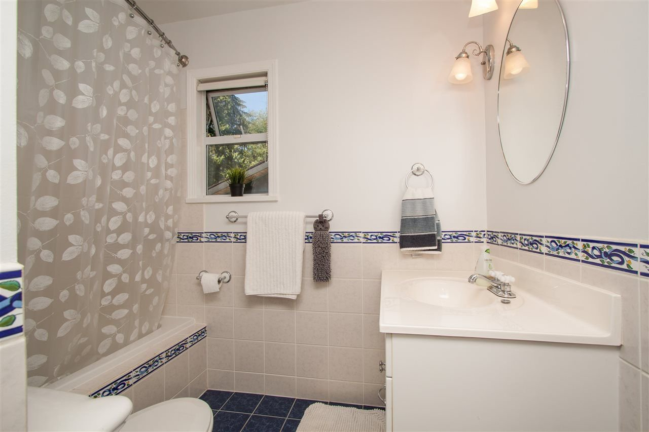 Photo 10: Photos: 2387 HYANNIS Drive in North Vancouver: Blueridge NV House for sale : MLS®# R2312625