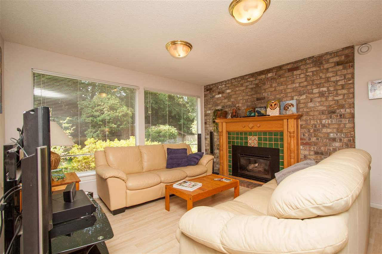 Photo 11: Photos: 2387 HYANNIS Drive in North Vancouver: Blueridge NV House for sale : MLS®# R2312625