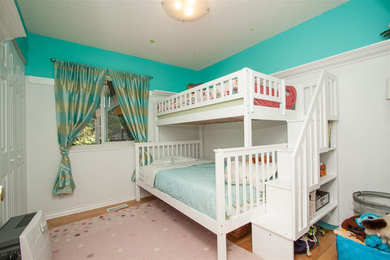 Photo 8: Photos: 2387 HYANNIS Drive in North Vancouver: Blueridge NV House for sale : MLS®# R2312625