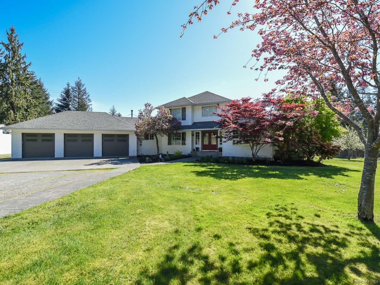 Main Photo: 2096 May Rd in COMOX: CV Comox Peninsula House for sale (Comox Valley)  : MLS®# 813161