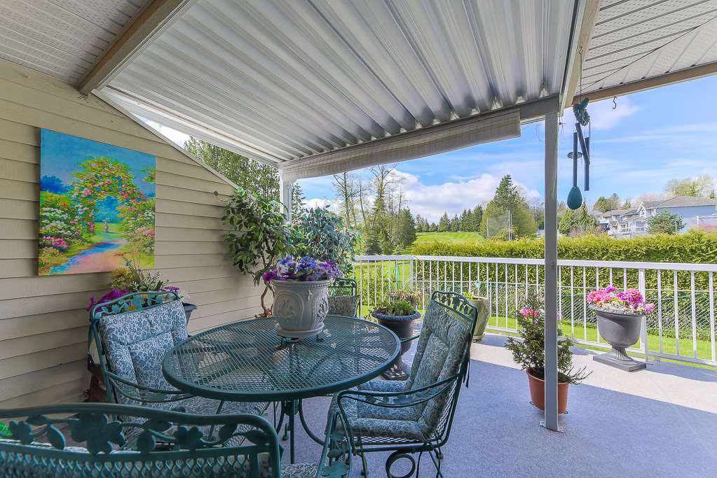 "Photo 10: Photos: 4 11438 BEST Street in Maple Ridge: Southwest Maple Ridge Townhouse for sale in ""Fairways Estates"" : MLS®# R2370889"