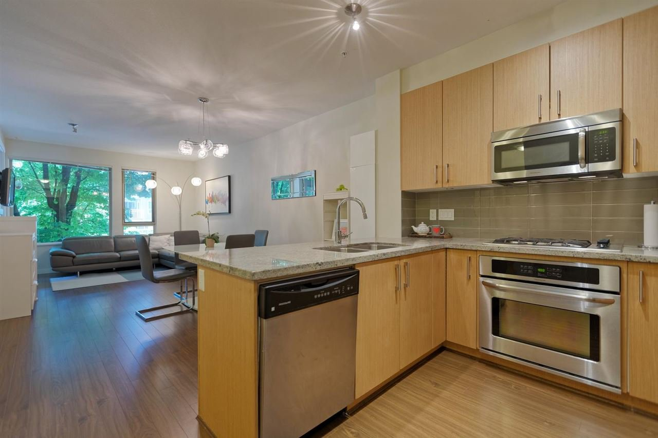 Pull up a bar stall to chat while you A) prep a gourmet meal or B) open up take out containers. The open concept living / dining / kitchen room is the first thing you see when you walk in to this awesome condo.