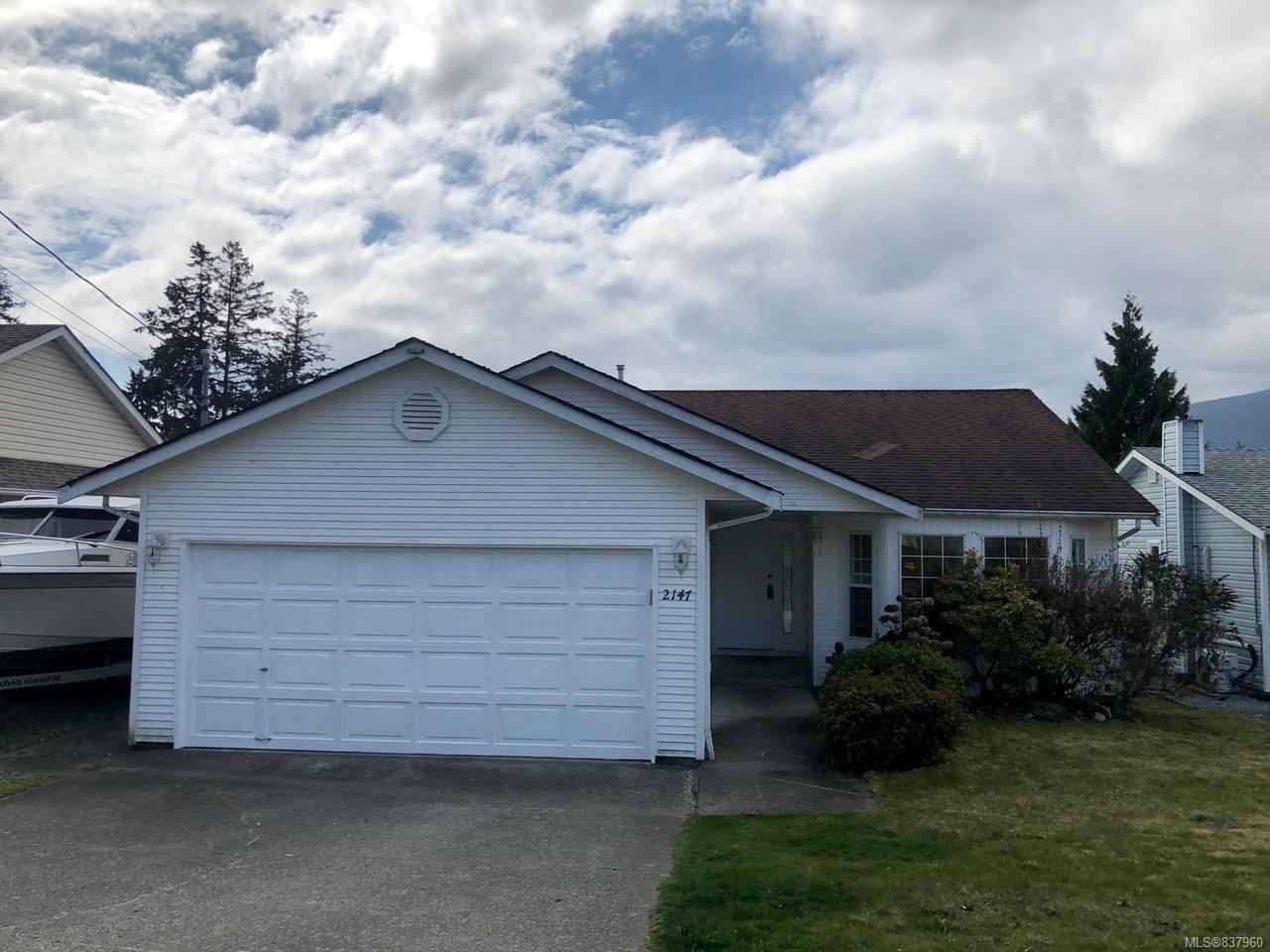 Main Photo: 2147 Lang Cres in NANAIMO: Na Central Nanaimo House for sale (Nanaimo)  : MLS®# 837960