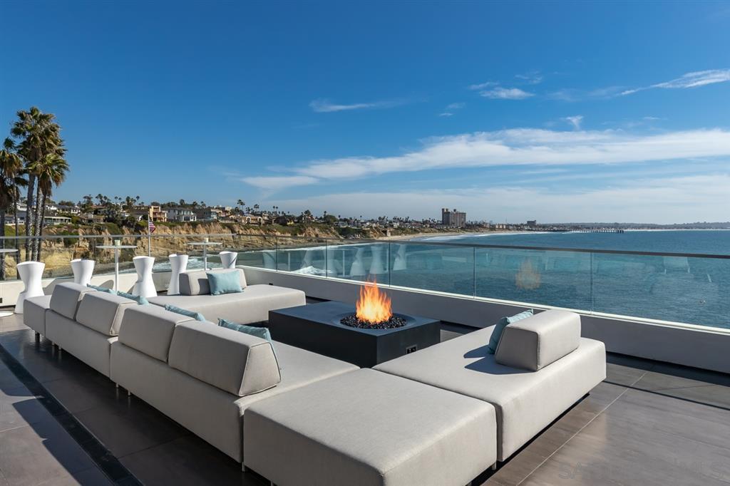 Photo 8: Photos: House for sale : 4 bedrooms : 311 Sea Ridge Dr in La Jolla