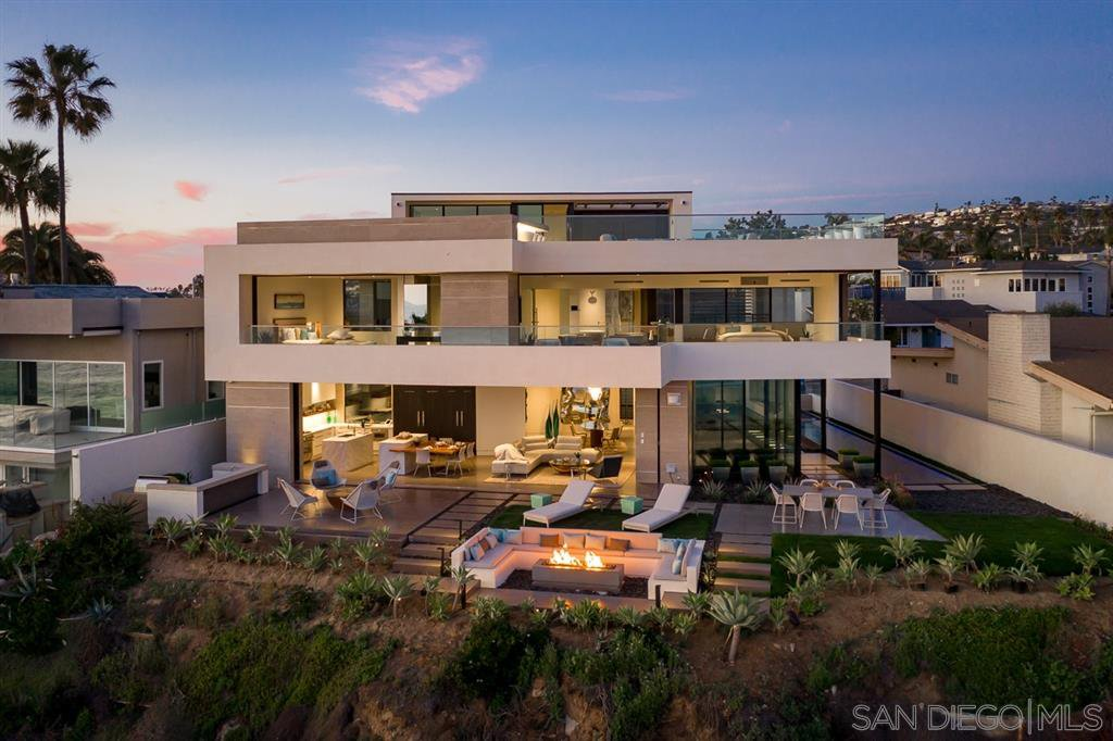 Photo 6: Photos: House for sale : 4 bedrooms : 311 Sea Ridge Dr in La Jolla