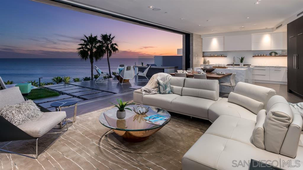 Photo 4: Photos: House for sale : 4 bedrooms : 311 Sea Ridge Dr in La Jolla