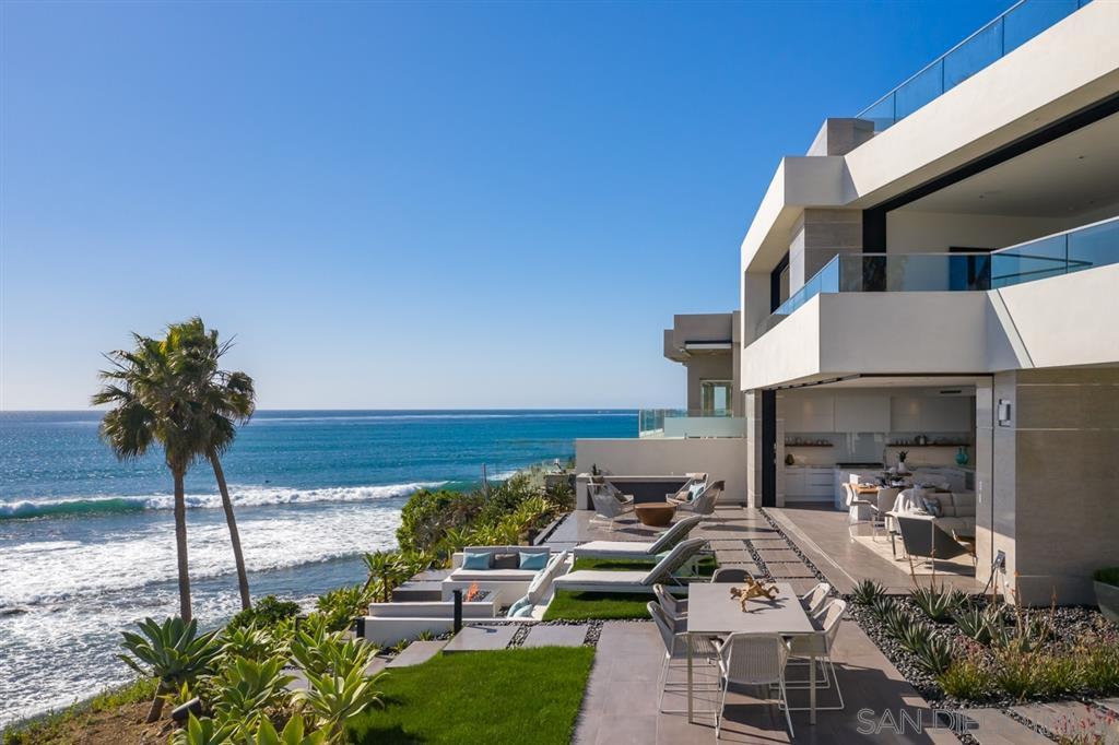 Photo 11: Photos: House for sale : 4 bedrooms : 311 Sea Ridge Dr in La Jolla