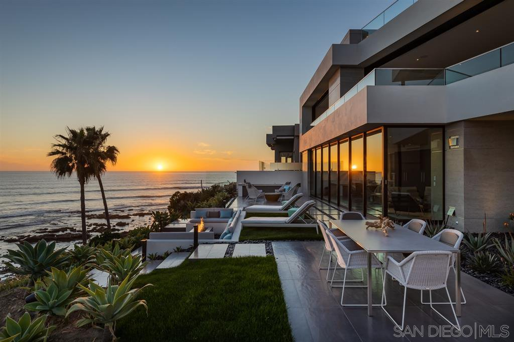 Photo 7: Photos: House for sale : 4 bedrooms : 311 Sea Ridge Dr in La Jolla