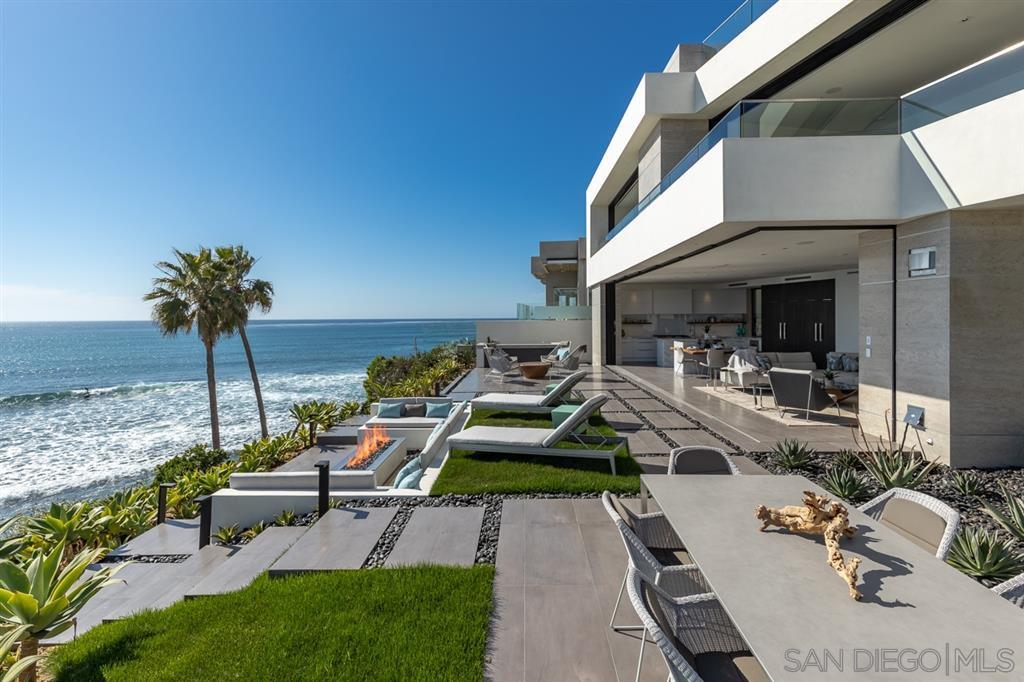 Photo 2: Photos: House for sale : 4 bedrooms : 311 Sea Ridge Dr in La Jolla