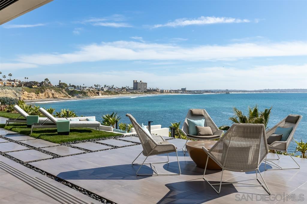 Photo 5: Photos: House for sale : 4 bedrooms : 311 Sea Ridge Dr in La Jolla