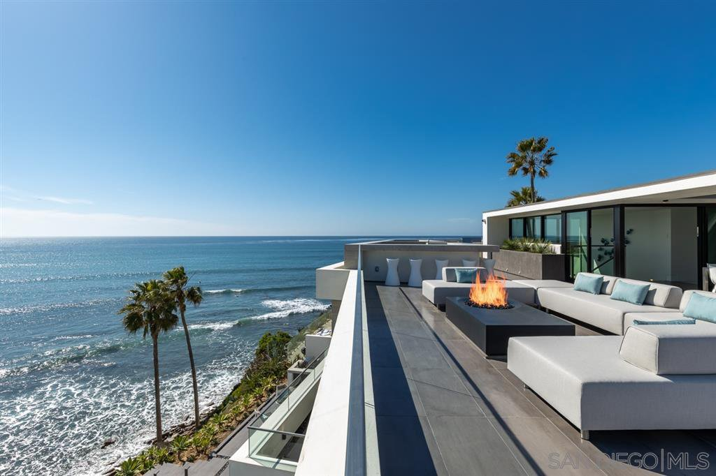 Photo 9: Photos: House for sale : 4 bedrooms : 311 Sea Ridge Dr in La Jolla