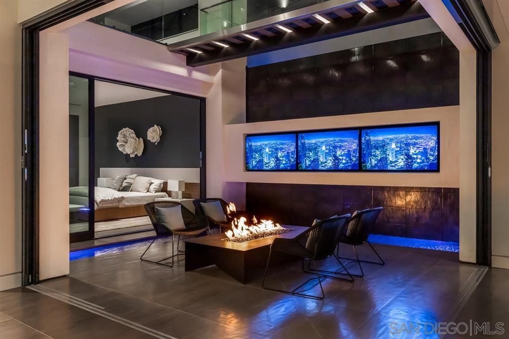 Photo 17: Photos: House for sale : 4 bedrooms : 311 Sea Ridge Dr in La Jolla