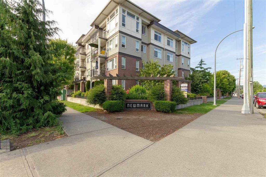 """Main Photo: 214 46289 YALE Road in Chilliwack: Chilliwack E Young-Yale Condo for sale in """"Newmark"""" : MLS®# R2491317"""