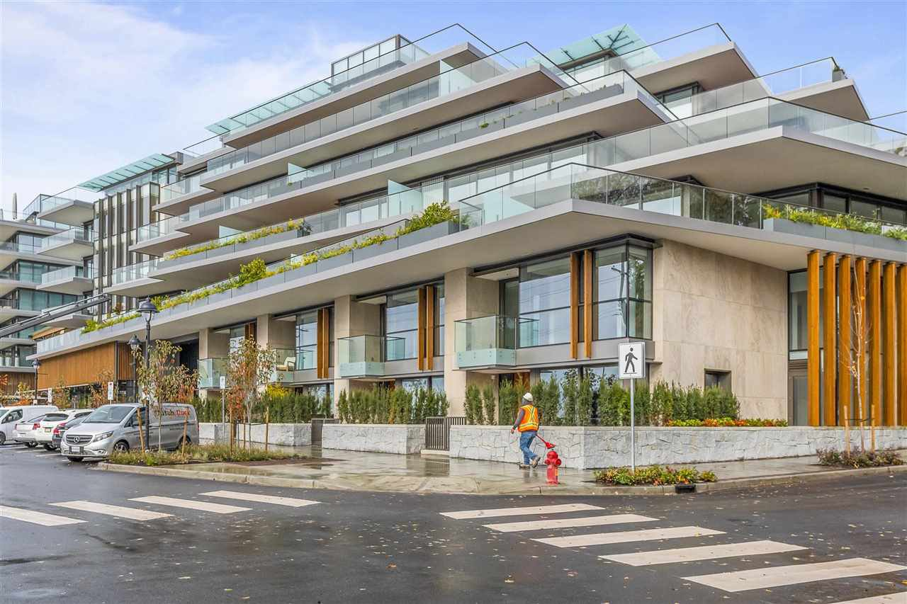"Main Photo: 502 1327 BELLEVUE Avenue in West Vancouver: Ambleside Condo for sale in ""GROSVENOR AMBLESIDE"" : MLS®# R2516607"