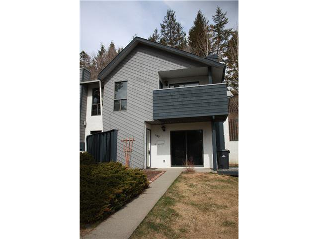 Main Photo: 1122 N 2ND Avenue in Williams Lake: Williams Lake - City Townhouse for sale (Williams Lake (Zone 27))  : MLS®# N209025