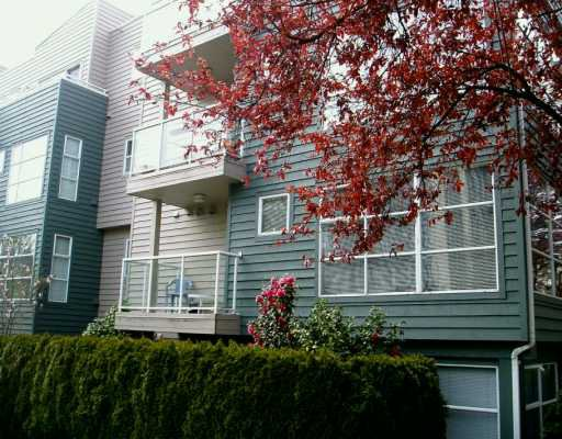 Main Photo: 201 2815 YEW ST in Vancouver: Kitsilano Condo for sale (Vancouver West)  : MLS®# V586300