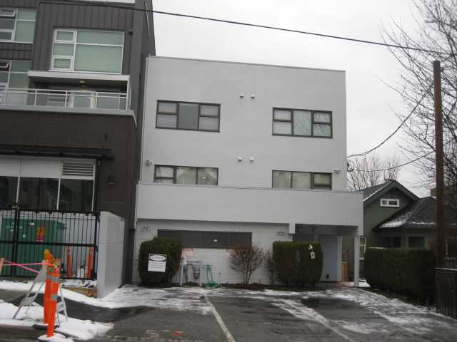 Photo 2: Photos: 3584 16TH AV W: Home for sale (Vancouver West)  : MLS®# V4030283