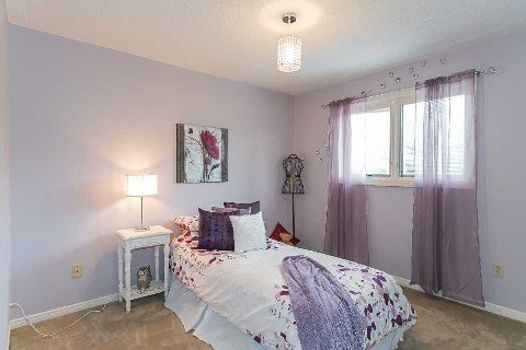 Photo 18: Photos: 15 Stargell Drive in Whitby: Pringle Creek House (2-Storey) for sale : MLS®# E2916203