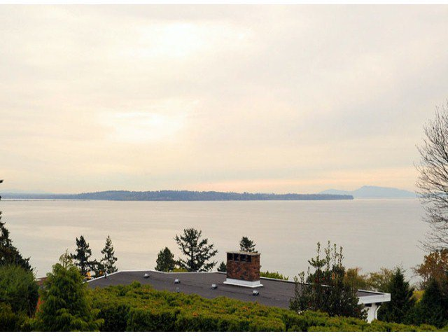 """Main Photo: 14410 SUNSET Lane: White Rock House for sale in """"MARINE DRIVE WEST"""" (South Surrey White Rock)  : MLS®# F1413087"""