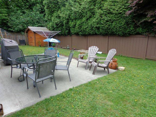"""Photo 16: Photos: 14304 18TH Avenue in Surrey: Sunnyside Park Surrey House for sale in """"Oceanbluff"""" (South Surrey White Rock)  : MLS®# F1415581"""