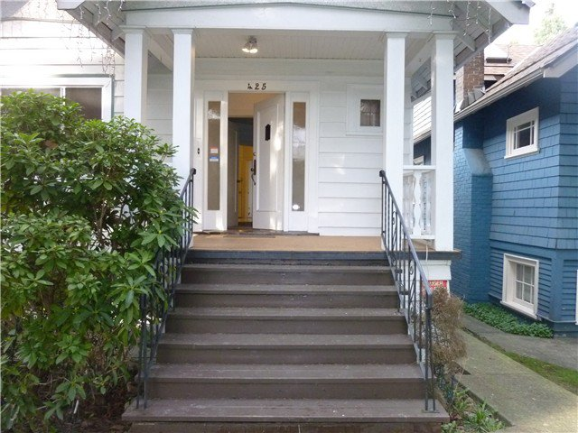 Photo 2: Photos: 425 W 17TH Avenue in Vancouver: Cambie House for sale (Vancouver West)  : MLS®# V1108242