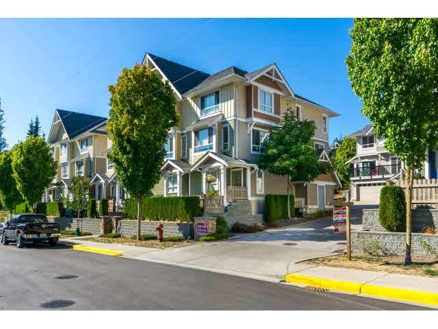 "Main Photo: 33 20159 68TH Avenue in Langley: Willoughby Heights Townhouse for sale in ""VANTAGE"" : MLS®# F1450434"