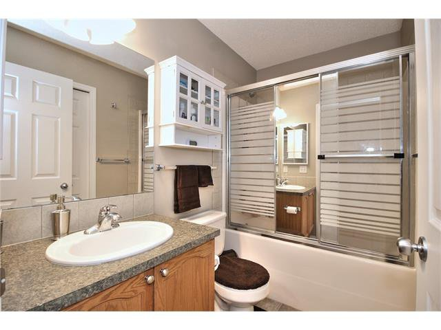 Photo 24: Photos: 633 EVERMEADOW Road SW in Calgary: Evergreen House for sale : MLS®# C4044099