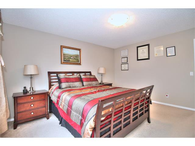 Photo 21: Photos: 633 EVERMEADOW Road SW in Calgary: Evergreen House for sale : MLS®# C4044099
