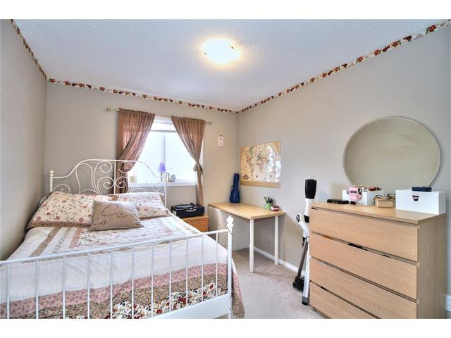 Photo 26: Photos: 633 EVERMEADOW Road SW in Calgary: Evergreen House for sale : MLS®# C4044099