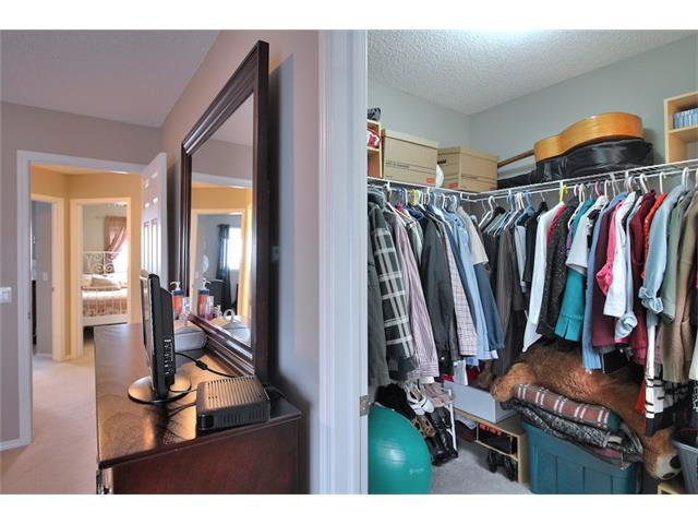 Photo 23: Photos: 633 EVERMEADOW Road SW in Calgary: Evergreen House for sale : MLS®# C4044099