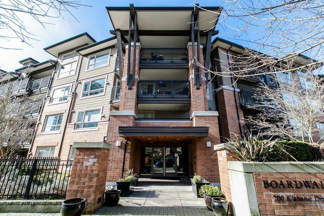 "Main Photo: 322 700 KLAHANIE Drive in Port Moody: Port Moody Centre Condo for sale in ""BOARDWALK"" : MLS®# R2039030"