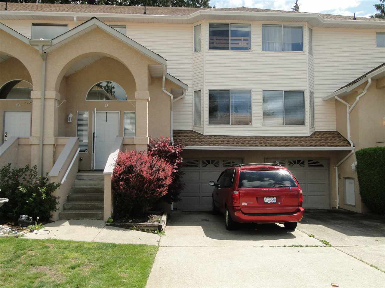 """Main Photo: 18 32339 7TH Avenue in Mission: Mission BC Townhouse for sale in """"Cedarbrooke Estates"""" : MLS®# R2073860"""