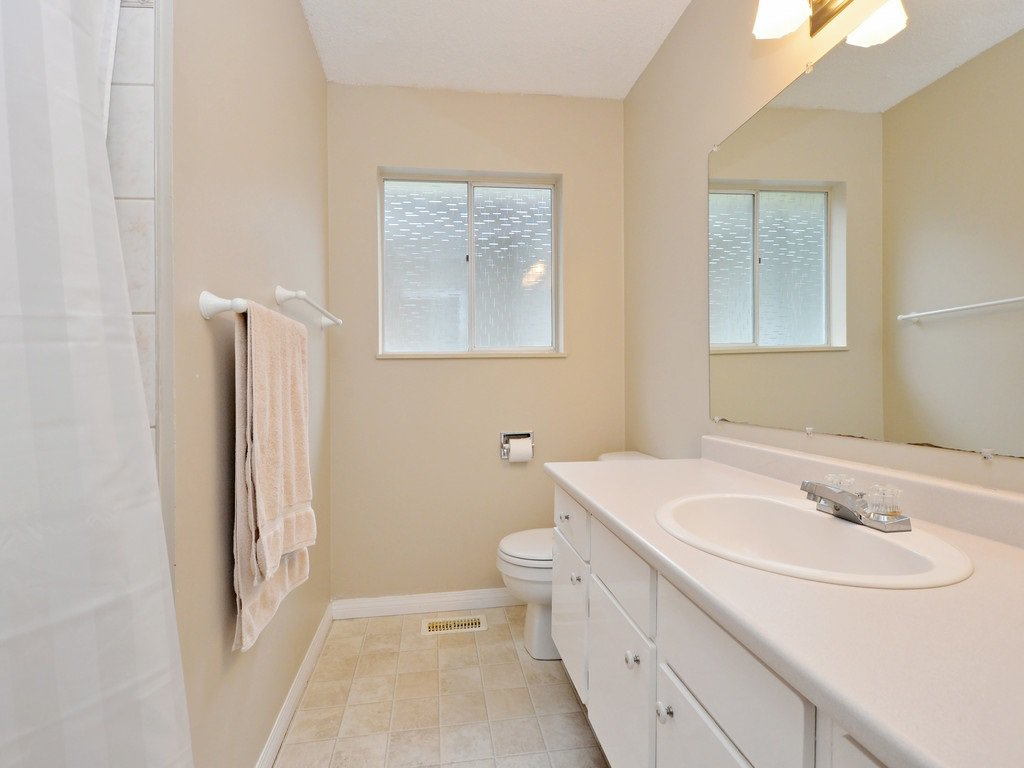 Photo 12: Photos: 537 W 15TH Street in North Vancouver: Central Lonsdale House for sale : MLS®# R2120937