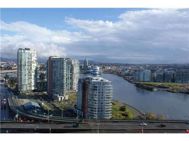 Main Photo: 2702 1033 MARINASIDE CRESCENT in : Yaletown Condo for sale : MLS®# V858837