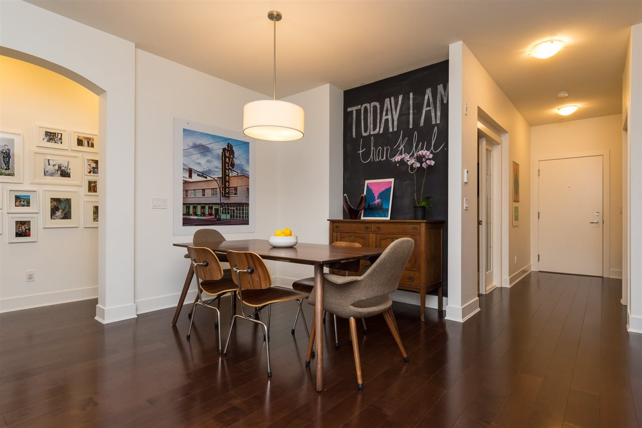 """Photo 11: Photos: 105 16447 64 Avenue in Surrey: Cloverdale BC Condo for sale in """"St. Andrew's"""" (Cloverdale)  : MLS®# R2159820"""