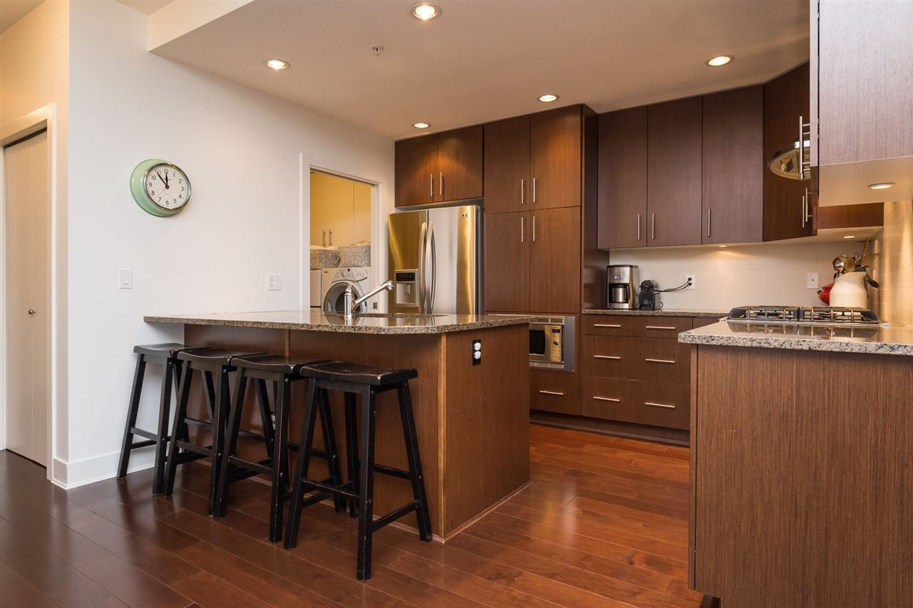 """Photo 3: Photos: 105 16447 64 Avenue in Surrey: Cloverdale BC Condo for sale in """"St. Andrew's"""" (Cloverdale)  : MLS®# R2159820"""